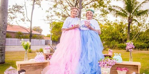 百岁双胞胎姐妹生日拍仙女照萌翻了