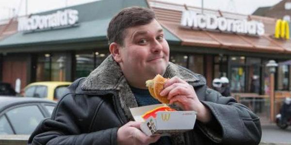 男子连续吃麦当劳25年 医生惊呆